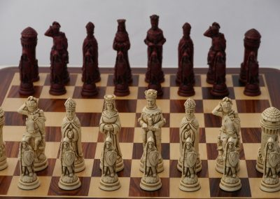Camelot Chessmen Cardinal Red1