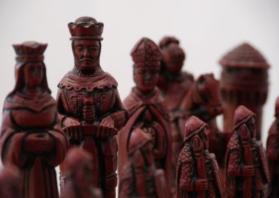 Camelot Chessmen Cardinal Red2