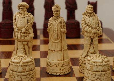 English Chessmen Cardinal Red1