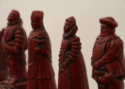 English Chessmen Cardinal Red2