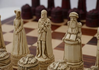 Scottish Chessmen Cardinal Red1