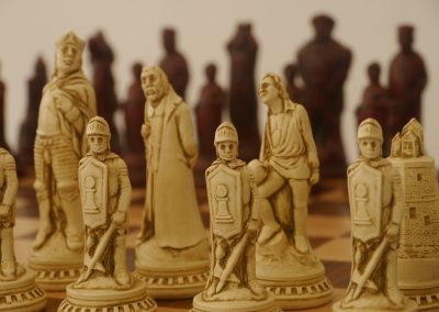 Shakespeare Chessmen Cardinal Red1